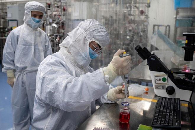Trung Quốc đã cấp phép sử dụng cho 2 loại vaccine Covid-19