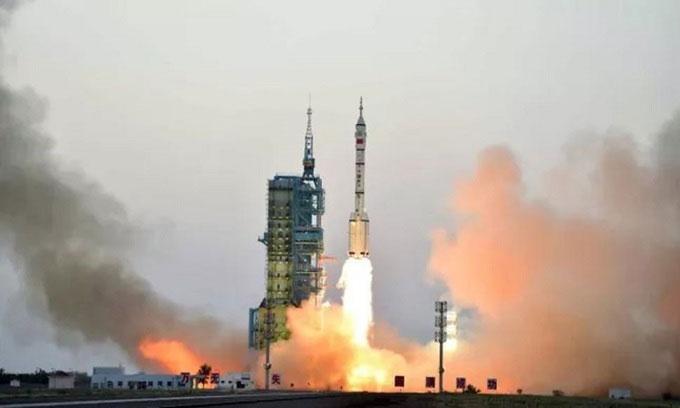 Tên lửa Trường Chinh 2F cất cánh trong nhiệm vụ Thần Châu 11 vào ngày 17/10/2016.