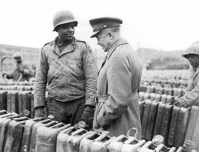 Những chiếc can chứa nhiên liệu trong thế chiến II