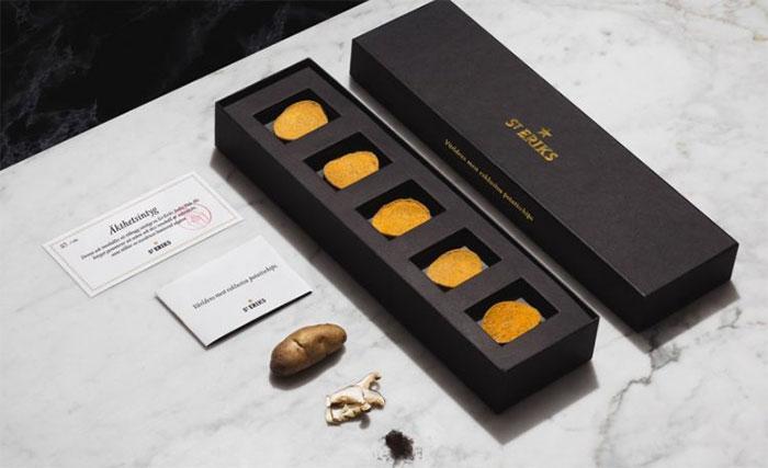 Chiếc hộp đen sang trọng chỉ chứa 5 miếng khoai tây chiên riêng lẻ.