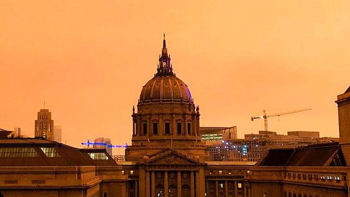 Tòa thị chính San Francisco sáng 9/9 (giờ địa phương).