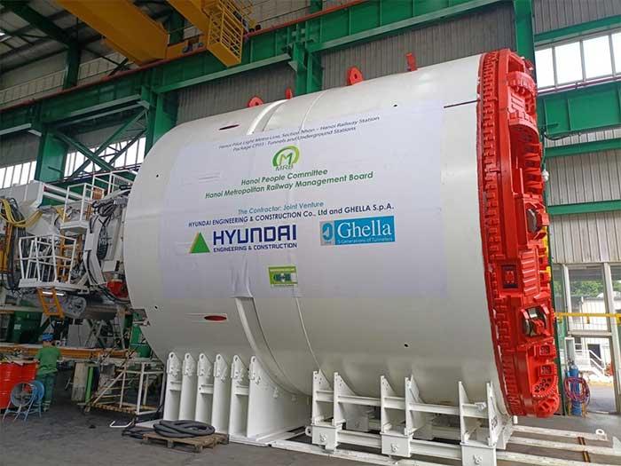 Hiện các bộ phận của máy đào TBM đang được vận chuyển từ Italy về nước bằng đường biển