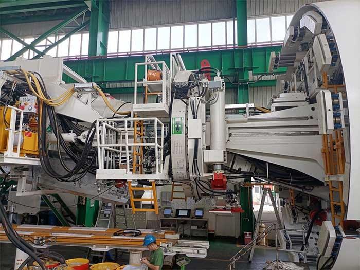 Máy TBM cao và rộng 6,6m; chiều dài khoảng 100m