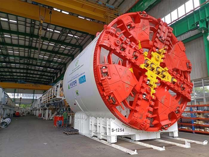Máy TBM đào đến đâu sẽ hoàn thành lắp vỏ hầm đến đó.