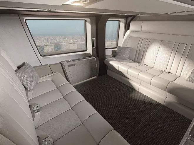Nội thất của trực thăng được thiết kế một phần bởi công ty Pagasus Design.
