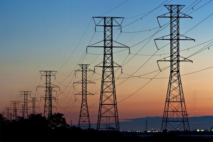Điện xoay chiều có khả năng chuyển đổi các mức điện áp chỉ với một máy biến áp.