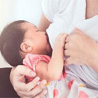 Nghiên cứu mới cho thấy: Sữa mẹ giúp ngăn ngừa Covid-19