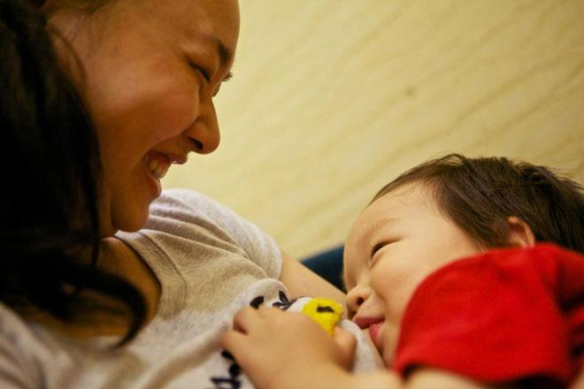 Nghiên cứu mới chỉ ra sữa mẹ có thể giúp ngăn ngừa Covid-19.