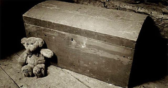 """Hiện tượng bí ẩn về cái chết đáng sợ quanh những đồ vật """"tử thần"""""""