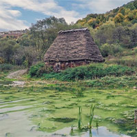 Vẻ đẹp đáng sợ của thung lũng chết chóc ở Romania