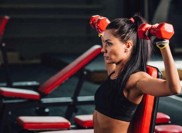 Phụ nữ dù tập nặng cũng khó có cơ bắp và thân hình lực lưỡng như nam giới.