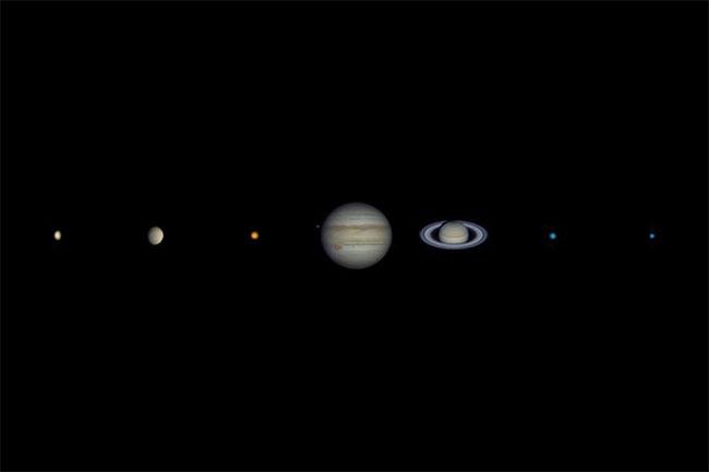 úc Hỏa tinh có góc biểu kiến lớn nhất, nó có thể lớn hơn cả Thổ tinh và kích thước gần bằng Mộc tinh.