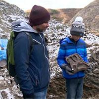 Bé trai 12 tuổi may mắn phát hiện hóa thạch khủng long hiếm