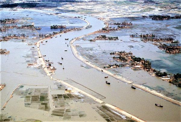 Chính nạn đói và bệnh tật do hậu quả của những trận lụt lớn đã khiến số người tử vong cao