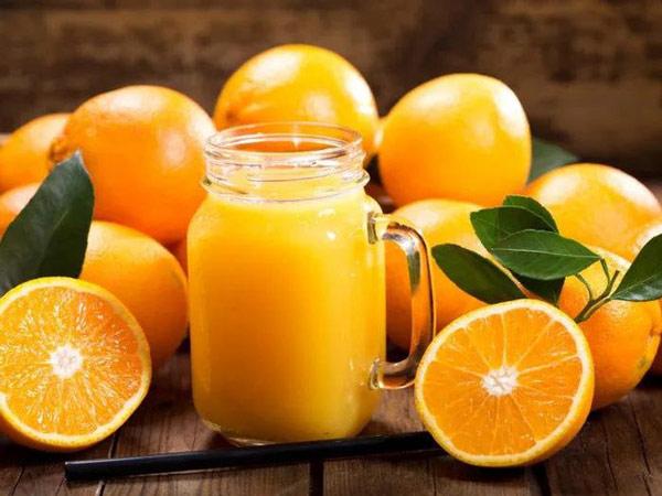 Nước cam nhiều đường và calo như soda