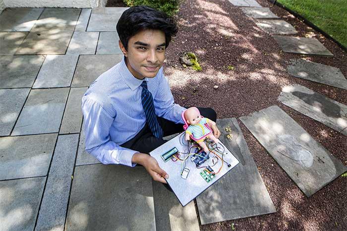 Pranavh Joshua Vallabhaneni và thiết bị Baby Saver