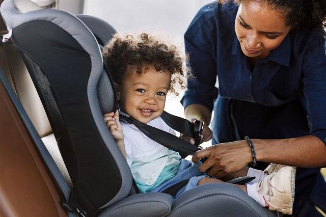 Tình trạng phụ huynh để quên con trong xe dẫn đến những cái chết thương tâm vẫn xảy ra không ít.
