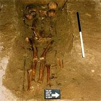 """Các nhà khoa học xác định chủ nhân ngôi mộ """"Thủ lĩnh 6 đầu"""""""
