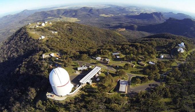 Đài thiên văn Siding Spring ở Australia.