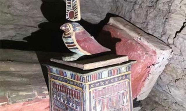 Hầm mộ chôn 13 chiếc quan tài còn nguyên vẹn được tìm thấy sau 2.500 năm