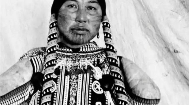 Hình vẽ trên khuôn mặt và cơ thể của phụ nữ Eskimo rất được coi trọng.