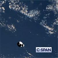 Video: Tàu vũ trụ Crew Dragon kết nối thành công với trạm ISS