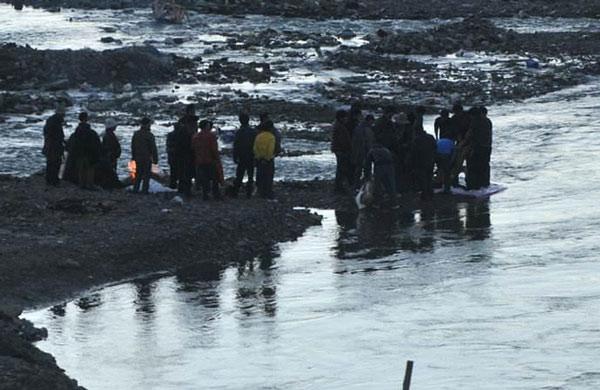 Thủy táng là một trong những tập tục lâu đời tại Tây Tạng