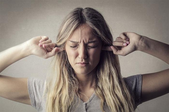 Việc giảm thính lực do tiếp xúc với tiếng ồn lớn thì chúng ta hoàn toàn có thể tránh được.