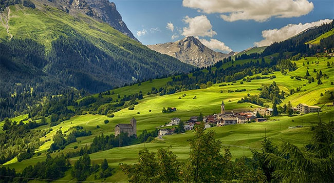 Ở Thụy Sĩ, mọi người đều cố gắng đi bộ nhiều nhất có thể khi ra ngoài.