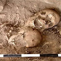 """Tìm thấy ngôi mộ chứa hài cốt """"Romeo và Juliet""""cổ đại"""