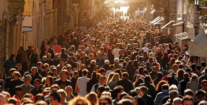 Thế giới hiện tại có 7,7 tỷ người, và bạn là một trong số đó.