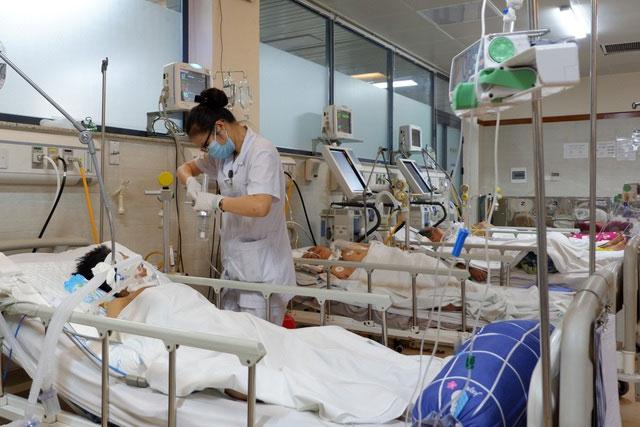 Nhiều người già nhập viện cấp cứu vì đột quỵ trong đợt rét đậm, rét hại.