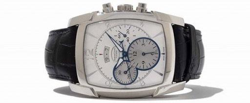 Đồng hồ chronograph đa số có hai kim giây.