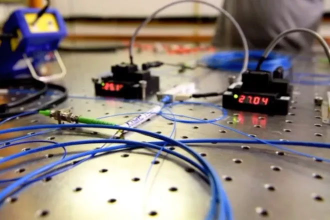 Một mạng internet lượng tử mới có thể được xây dựng bằng các thành phần sẵn có