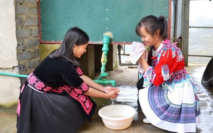 Niềm vui của học sinh trường THCS và THPT Bát Xát được sử dụng nước nóng miễn phí 24/24 giờ