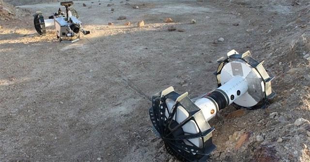 Robot biến hình khám phá địa hình gồ ghề