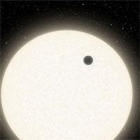 Hệ sao kỳ quái chưa từng thấy cách Trái đất 1.800 năm ánh sáng