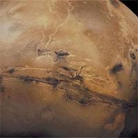 """Bí ẩn hiện tượng sao Hỏa """"lắc lư"""" và """"chao đảo"""""""