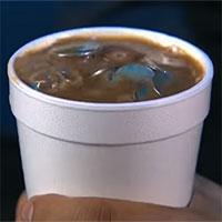 Giải mã màn ảo thuật biến cốc cà phê thành cốc tiền xu: Quá đơn giản, ai cũng làm được!