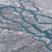 """Giải mã bí ẩn về """"vùng tối"""" đang mở rộng của băng ở Greenland"""