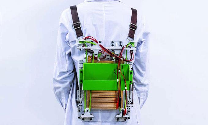 Bản thử nghiệm của mẫu ba lô có thể tạo ra điện.