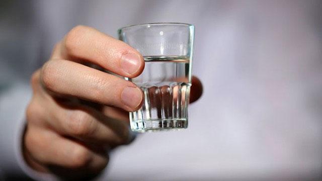 Tuổi thọ có thể bị ảnh hưởng nghiêm trọng khi uống quá nhiều đồ uống có cồn.