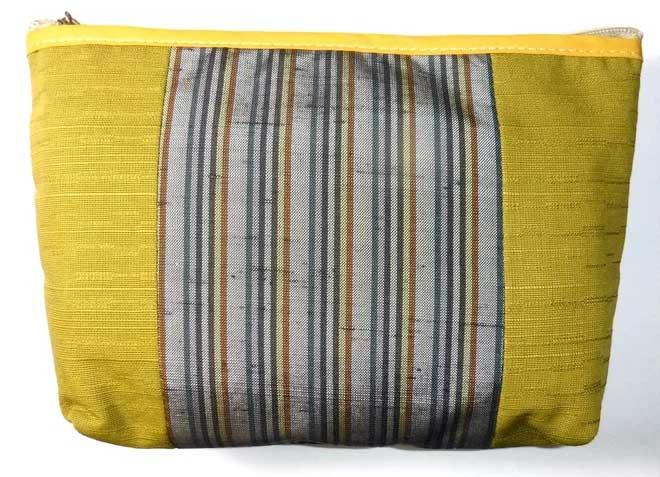 Một vật dụng làm từ vải dệt Ushikubi.