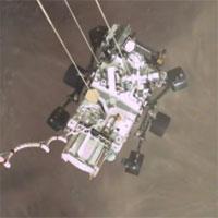 """NASA công bố video """"nổi da gà"""" của tàu đổ bộ xuống sao Hỏa"""