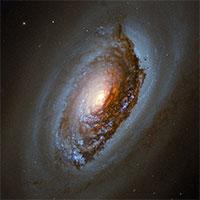 """Ảnh chụp thiên hà """"Mắt Quỷ"""" cách 17 triệu năm ánh sáng"""