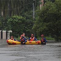 """""""Bom mưa"""" gây lũ lụt tồi tệ nhất trong 50 năm ở Australia"""