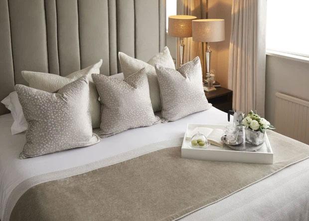 Các khách sạn đa số đều đặt rất nhiều gối trên giường.