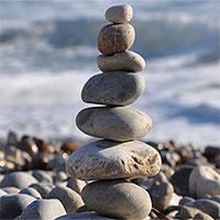 Tại sao con người lại thích xếp chồng những cột đá trong tự nhiên?