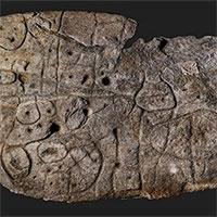Tìm thấy bản đồ cổ nhất châu Âu khắc trên phiến đá 4.000 năm