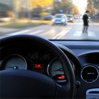Thiết bị cảnh báo va chạm giữa phương tiện giao thông và người đi bộ